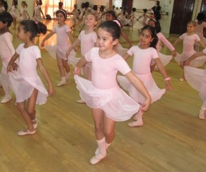 Children-Training-Ballet